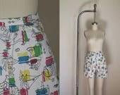 vintage 1950s shorts - SUNDAY FUNDAY novelty print high waist pants / S