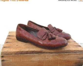 20% Off Sale 1990s Cole Haan Brown Woven Leather Tasseled Bow Loafers Driving Shoes Ladies Size 6.5
