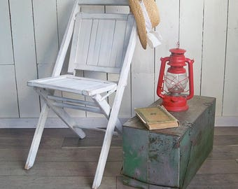 Old Simmons Shabby White Wooden Folding Chair