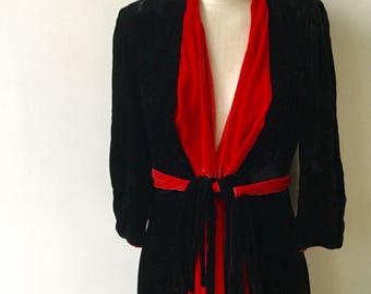 Stunning 1940's Black and Red Velvet Silk Dressing Gown Linda Creation