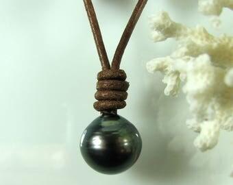 Black Tahitian Pearl drop Pendant.