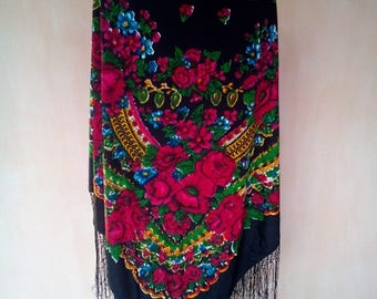 Russian vintage black floral fringed shawl. Boho scarf, shawl. Babushka shawl. SC010