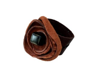 Leather Flower Ring - Rust flower ring - Rust suede flower - Leather Ring - Non metal ring - Non metal Jewelry - Metal allergy ring -Textile