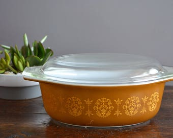 1 1/2 QT Brown Regency Promotional Pyrex Oval Casserole and lid / Mid Century Kitchen Essential