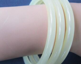 3 White Moon Glow Spacer Bracelets Vintage Plastic Lucite 1950 Era Excellent  condition