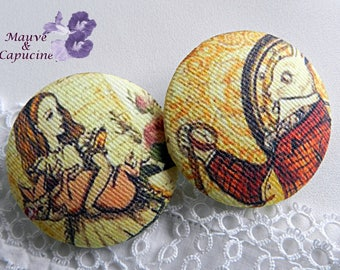 2 Alice fabric buttons in Wonderland, 40 mm /1.57 in diameter