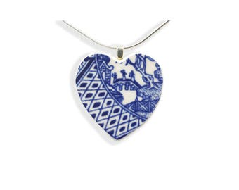 Heart Necklace. Love Story Jewelry. Blue Willow. Gift for Her. Hand Made Jewelry. Vintage Broken China. Gift Box. Silver Chain Included