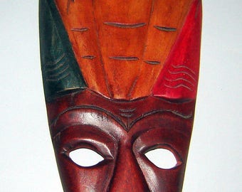 BEAUTIFULLY dESIGNED & dETAILED Wood Tribal Mask Hand cARVED DOMINICAN REPUBLIC