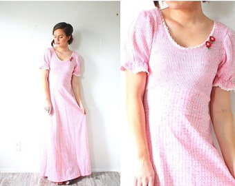 30% OFF SALE Vintage modest pink maxi gown // classic sweet baby doll pink Easter dress // formal short sleeve modest dress / strawberry sho