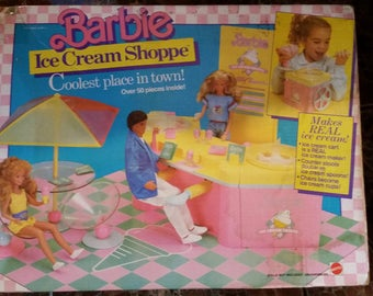 Barbie Ice Cream Shoppe w/ Box 1987 Mattel  COMPLETE