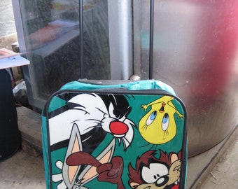 VINTAGE Looney Tunes Kids Rolling Suitcase/School Book Rolling Case...NEVER Used..EXCELLENT Condition.