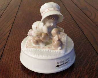"""Vintage OTAGIRI CERAMIC MUSIC Box: Plays """"Brahms' Lullaby - Made in Japan / Collectible Music Box - Great Baby Shower Gift or Birthday Gift"""