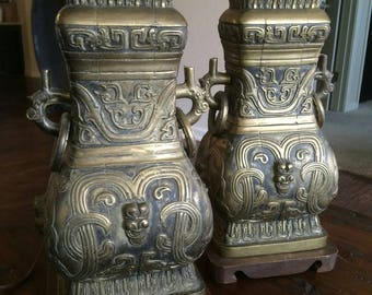 2 Vintage James Mont Style Table Lamps Chinese Hollywood Regency Style in Brass and Wood