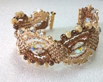 Stunning micromacrame bracelet