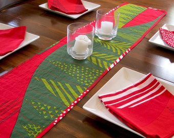 Christmas table runner * Quilted table runner * Marimekko * Marimekko napkins * holiday table * red green fabric table runner * contemporary