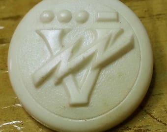 Scarce Vintage WWII Victory Button ~ V for Victory with Lightning Bolt ~ Morse Code V Dots & Dash ~ 3/4 inch 19mm ~ WW2 White Sewing Button