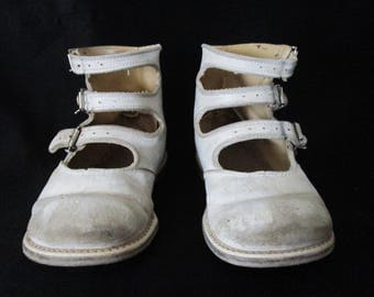 Vintage White High Top Toddler Buckle Shoes