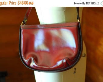20% off sale / vintage 1970s oxblood leather purse