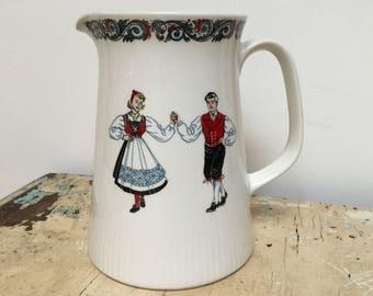 Vintage Figgjo Flint Norway pitcher/milk jug, traditional design