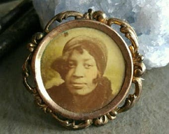 Antique mourning brooch African American lady