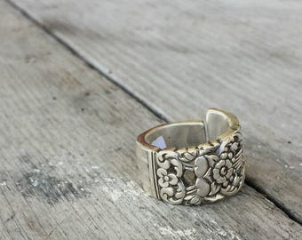 Spoon Ring - Upcycled Spoon Ring - Silverware Jewelry - Coronation - Size 6.5- Eco Friendly  (03417-LV)