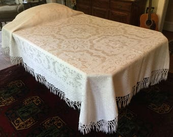 """Jacquard Bedspread  Vintage Bedding Twin Coverlet Woven Creamy White Fringed Bed Spread 68"""" x 88"""""""