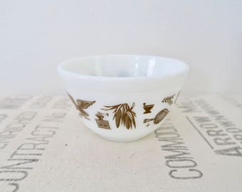 Vintage Pyrex Brown Americana 401 Small Mixing Bowl 1 1/2 Pint