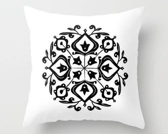 36 colours, Persian Glaze Pillow, Folk Motif, Black and White, Flower Pattern, Floral Motif, Faux Down Insert, Indoor or Outdoor options