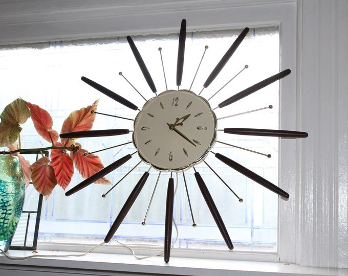 Mid Century Starburst Clock Lux by Robert Shaw 26 Inch Electric Vintage Atomic Age 1950s