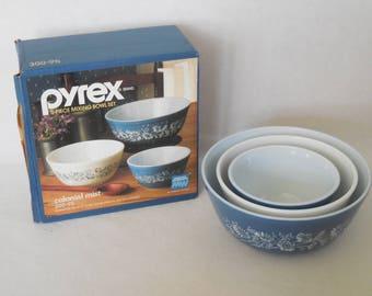 Pyrex Colonial Mist, Mixing bowls, Set of Three IOB