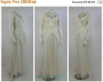 SUMMER SALE 1940's Lace Wedding Gown - Vintage Wedding Gown - New Look Era Gown - Lace and Pearl Beaded Ivory Wedding Gown - Ivory Chantilly