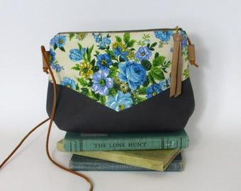 Iowa City. Crossbody purse - Summer purse - Small canvas bag - Cross over -Festival purse - Floral - Green - Grey - Ready to ship