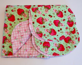 Hemstitch strawberry shortcake pink receiving blanket and 2 burp cloths, top quality flannel fabric, pink and green. baby shower gift
