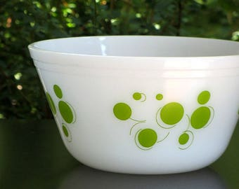 Vintage Federal Glass Green Atomic Dot Bowl Milk Glass Polka Dots With Tails Mid Century Heat Proof Kitchen Mixing Bowl
