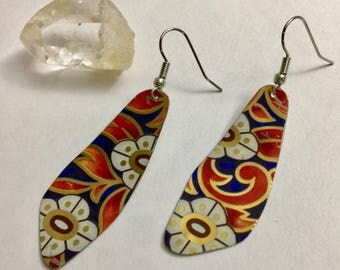 """Retro Garden Pattern // Upcycled Vintage Jewelry // Repurposed Jewelry // """"Petals"""" 1971 Recycled Tin Earrings"""