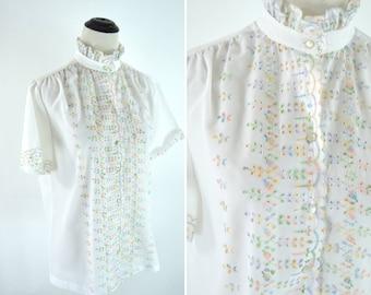 Vintage 60s White Eyelet Embroidered Ruffle Secretary Blouse - Darling Romantic Chic White Shirt - Mori Girl Top - Size Medium
