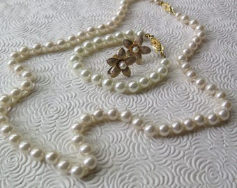 Vintage Pearl Jewelry Set Necklace Bracelet Earrings Mid Century Gold Clasps Knotted 22.5 Inch Length Wedding Holiday Bonus Pieces