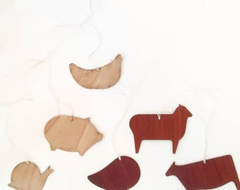 Wooden animal gift tags