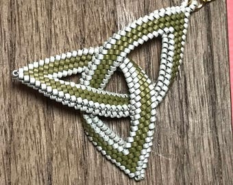 Celtic Necklace Beadwoven Pendant Celtic Knot Necklace Beadwork Pendant Celtic Knot Pendant Green Beaded Pendant Beaded Knot Pendant