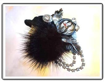 Woman's Head Brooch - Flapper Lady Pin - Fashions of the World - Mink Stole - Black and White - Retro 1980's  - Pin-1219a-090814015