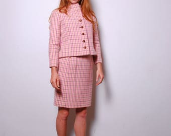 1960s small wool two piece suit womens pink vintage clothing waist coat cropped jacket fitted pencil skirt high waisted Henri Bendel Jacky O