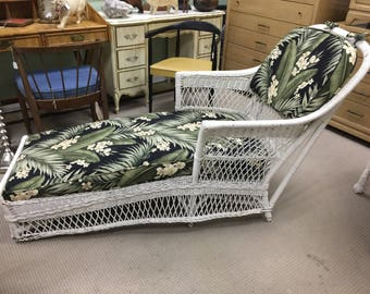 Classic Antique Wicker Chaise Lounge : antique wicker chaise lounge - Sectionals, Sofas & Couches