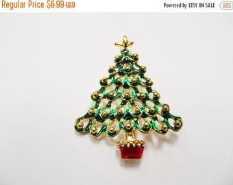 On Sale Vintage Enameled Christmas Tree Pin Item K # 2810