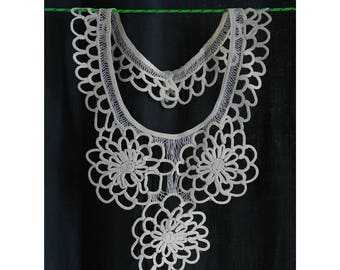 1930's Vintage removable collar, lacets off-white