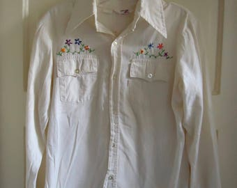 Vintage 70s Womens LEVIS Embroidered Button Down Shirt sz S/M