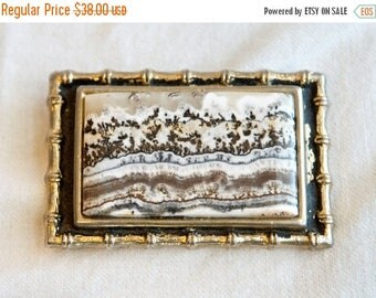 Vacay SALE...ships 7/8... Vintage picture jasper belt buckle…Biggs Jasper belt buckle.