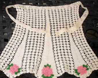 Apron, Ladies Apron, Vintage handmade, 1930s Ladies Apron, Decorative apron, Country apron, hand crocheted apron, Vintage Ladies Accessory