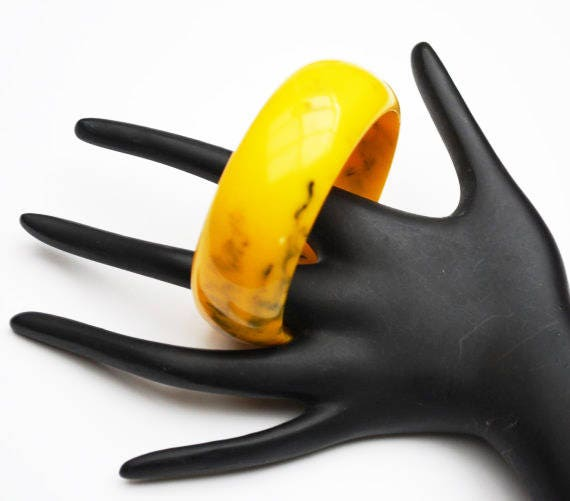 Vintage Bakelite Bangle - Marbled Black  yellow Orange Mustard  - Vintage plastic  bracelet