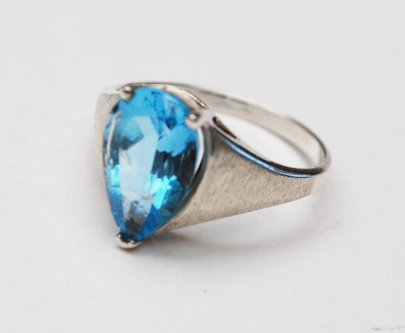 Blue topaz sterling Ring - Blue gemstone - Pear Shape - size 9 1/2 - Brushed silver - Gift for her