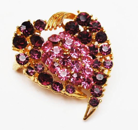 Lisner Rhinestone  Heart Brooch - Pink Purple Crystal - gold tone  -  Mid Century pin